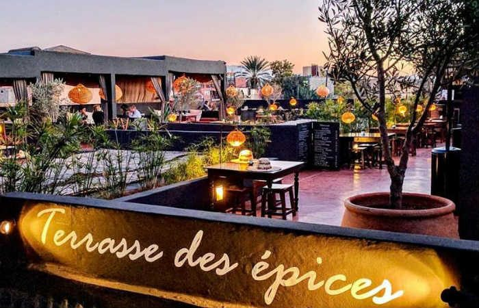 terrasse des pices marrakech restaurant international et bar sur my little kech. Black Bedroom Furniture Sets. Home Design Ideas
